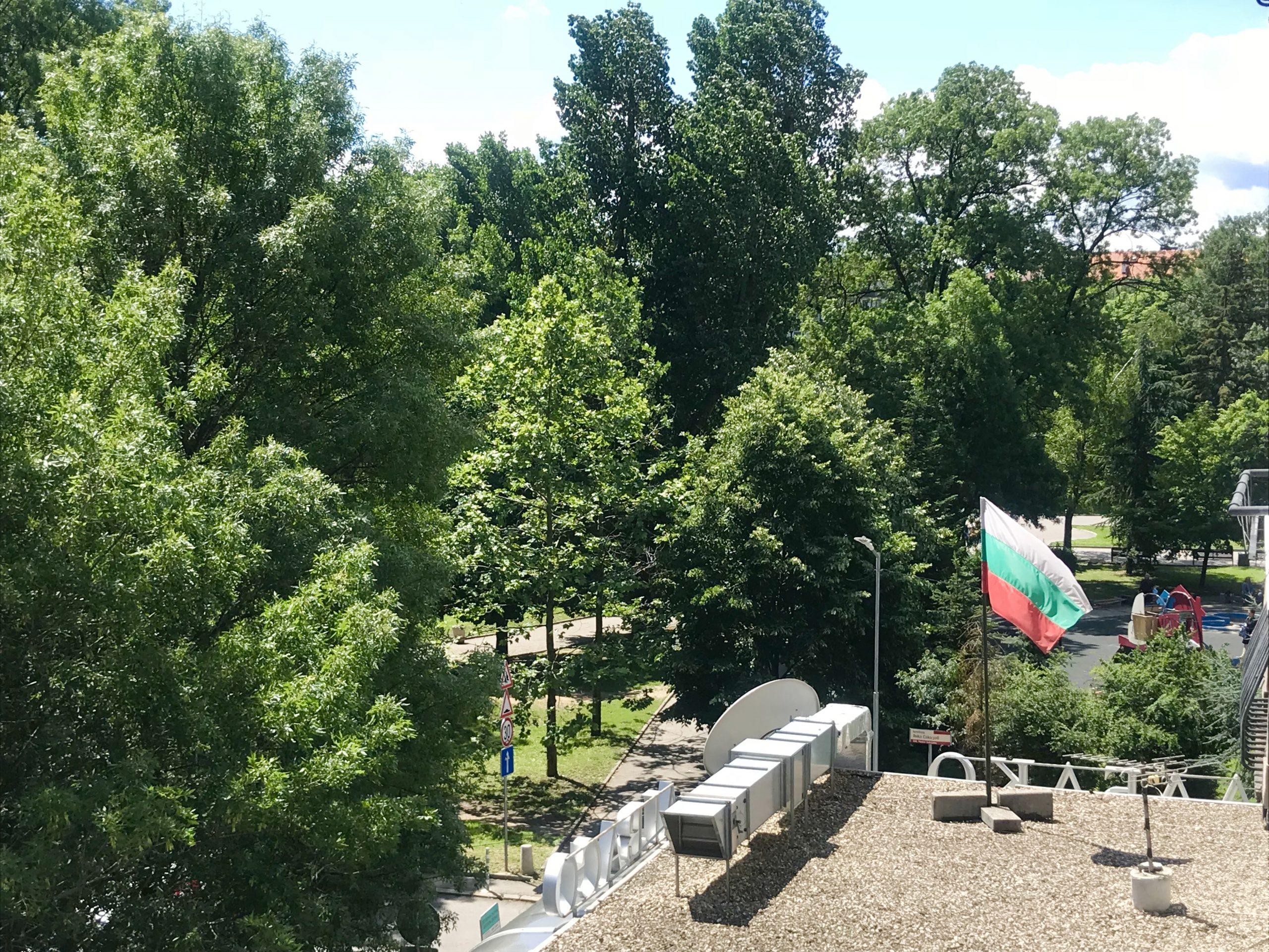 Тристаен апартамент подходящ за офис, до Парк Заимов, гр. София