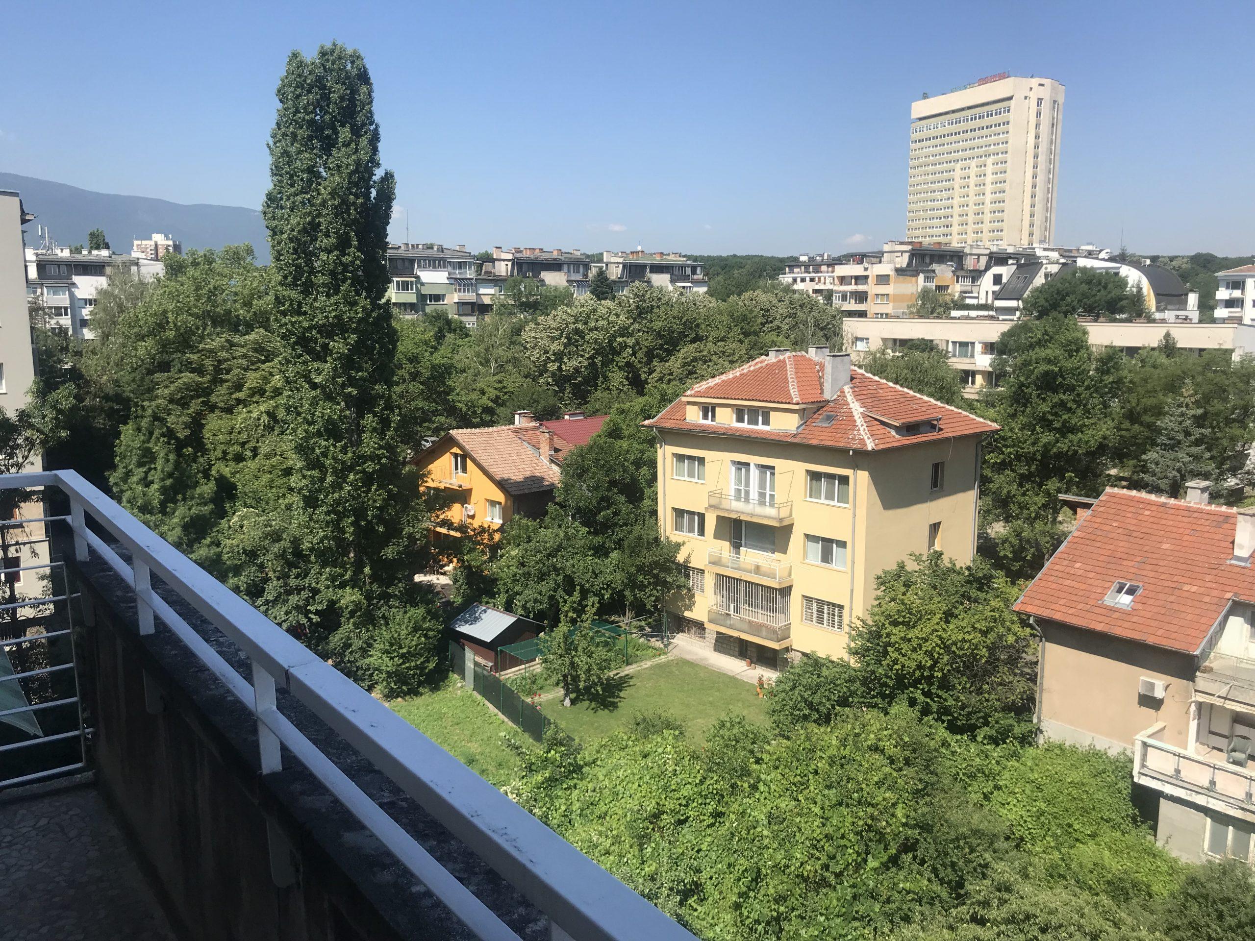 Многостаен апартамент под наем, кв. Изток, София